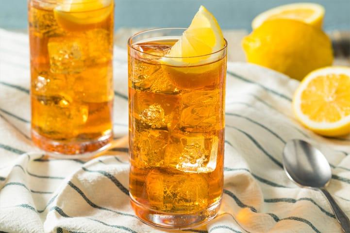 Confira 3 dicas de como fazer chá gelado em casa