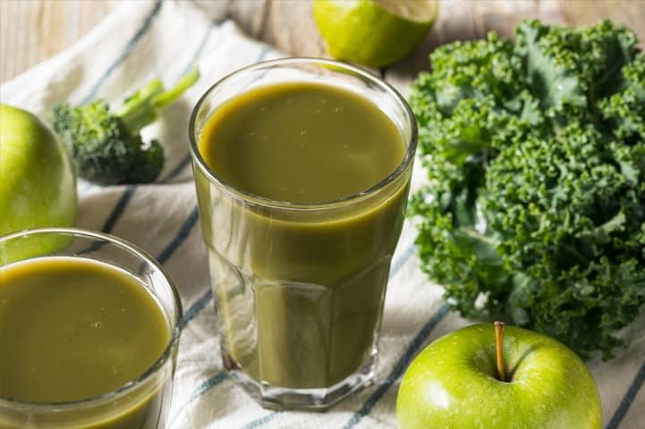 Não perca essas 4 dicas de como fazer suco verde na sua casa