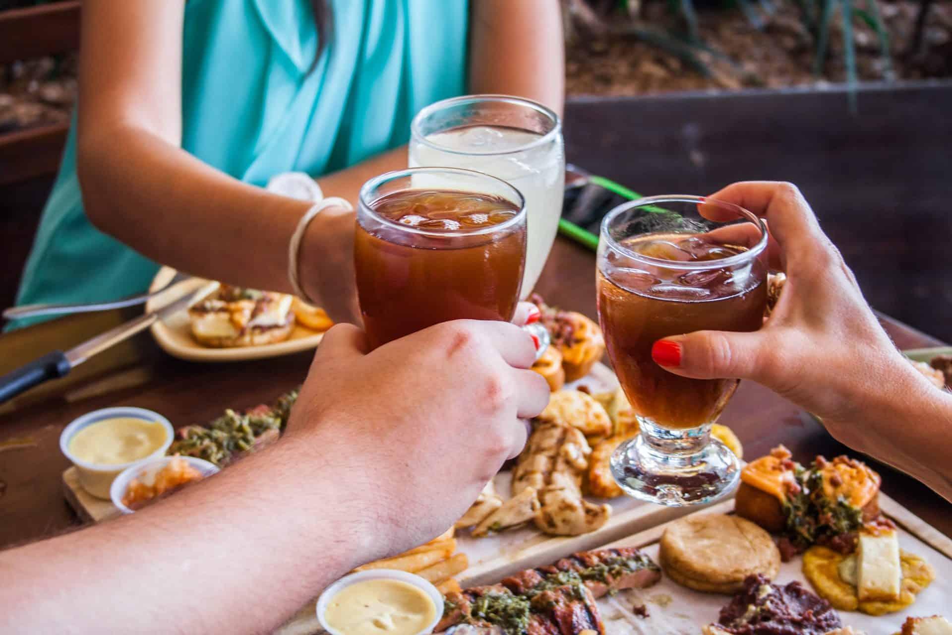 Descubra as mais adequadas bebidas para churrasco