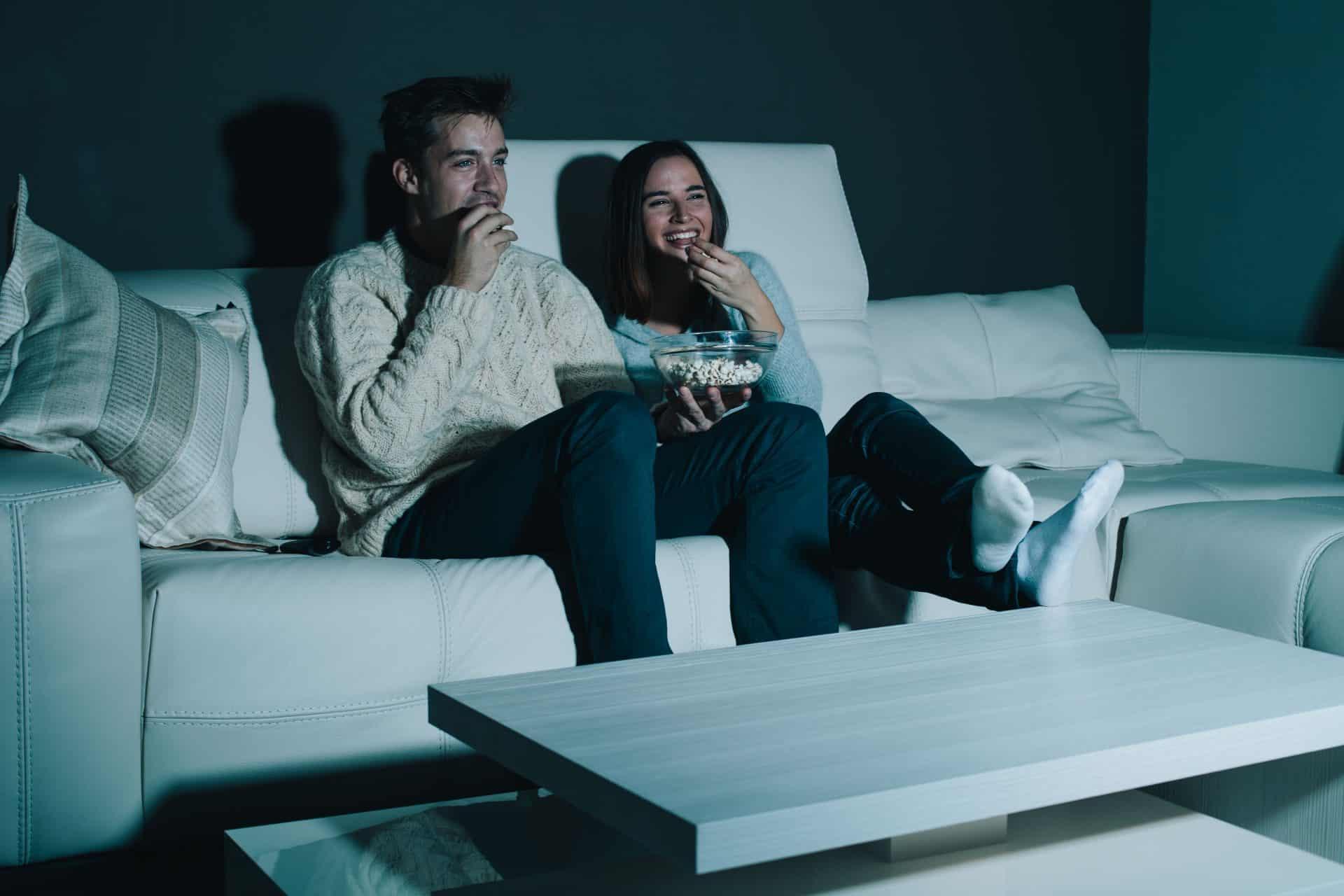 Como montar sua sessão de cinema em casa