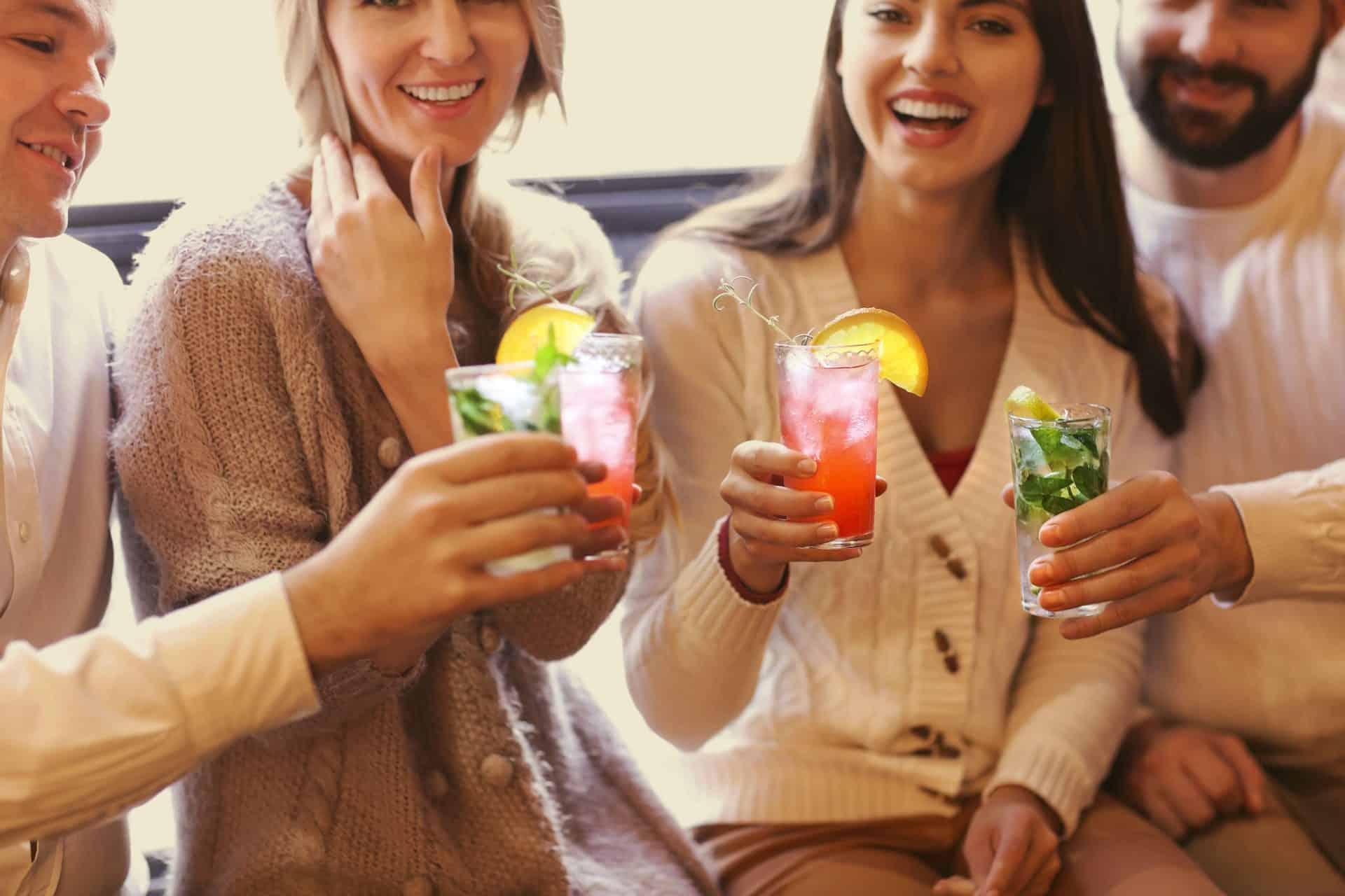 Veja dicas de drinks para fazer em casa com a sua B.blend