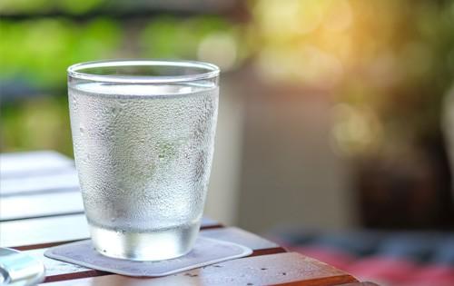 Entenda o funcionamento de um purificador de água gelada