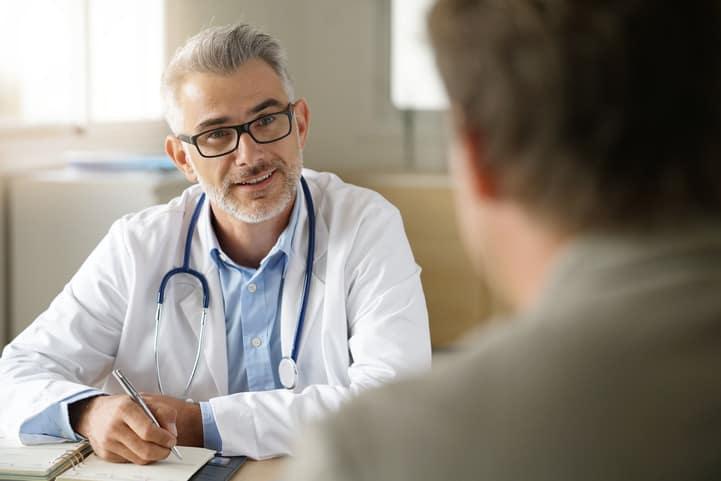 Como dar um bom atendimento ao paciente: 4 dicas essenciais que você deve conferir