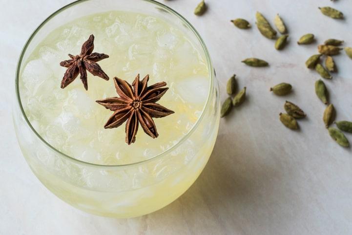 Drink com anis estrelado: confira 3 opções para fazer em casa