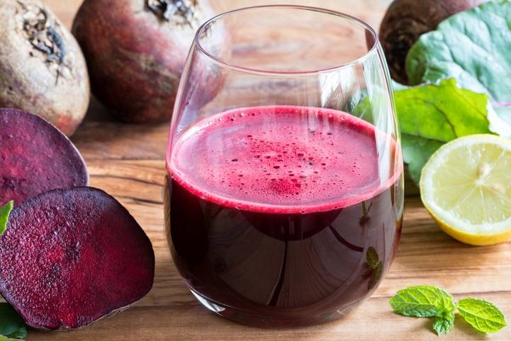 Conheça os benefícios do suco de beterraba e veja como prepará-lo em casa
