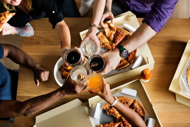 Aprenda como calcular refrigerante para festa e não erre mais