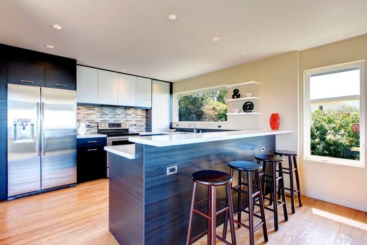 Ideias de cozinha americana para somar decoração e funcionalidade