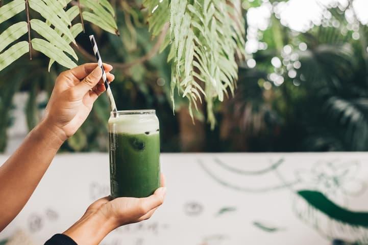 Suco detox com gengibre: confira 3 opções de receitas