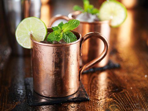 copos de drinks diferentes