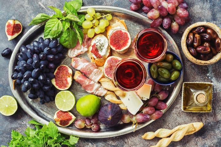 Dicas de como harmonizar comidas e bebidas