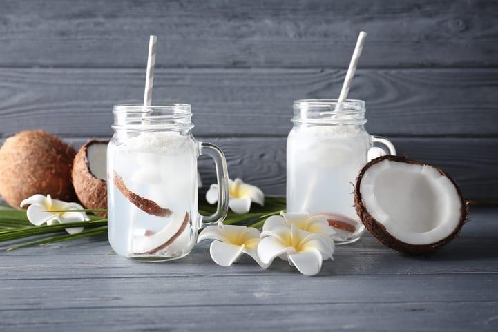 suco detox com agua de coco